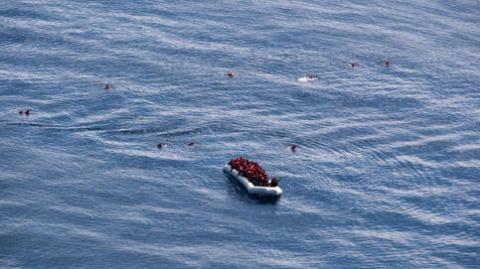 Inmigrantes fallecidos en alta mar
