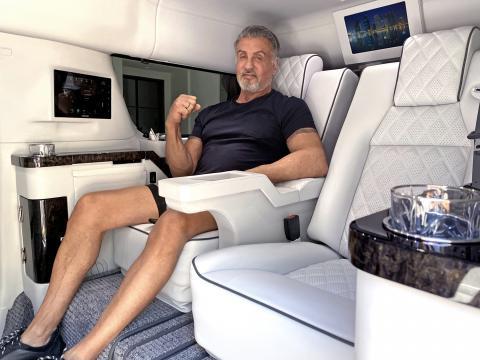 Silvester Stallone en su Cadillac