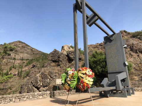Recuerdo a la víctimas del incendio de 1984. La Gomera