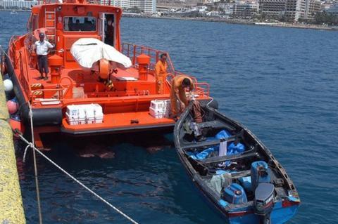 Salvamento Marítimo rescata patera. Canarias