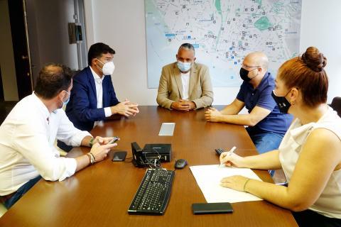 Reunión con representantes de las asociaciones comerciales Zona Centro y FAUCA. Santa Cruz de Tenerife
