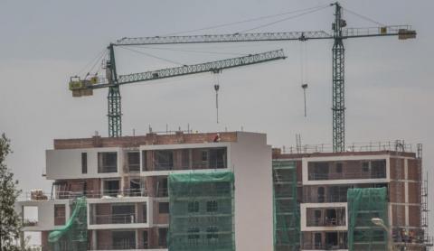 Edificios de viviendas en construcción