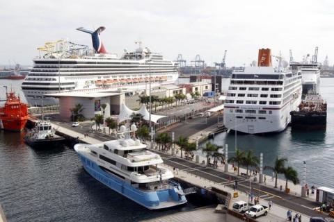 Cruceros en el muelle de Santa Catalina. Las Palmas de Gran Canaria