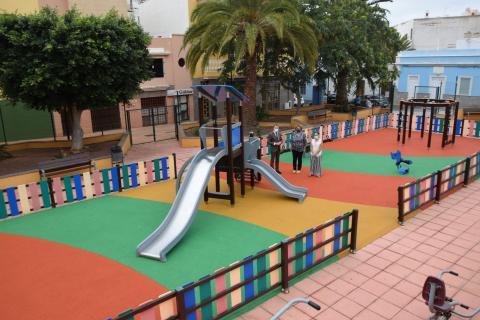 "Parque infantil de ""la heladora"" en Gáldar. Gran Canaria"