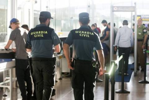 Guardia Civil en el aeropuerto de Gran Canaria