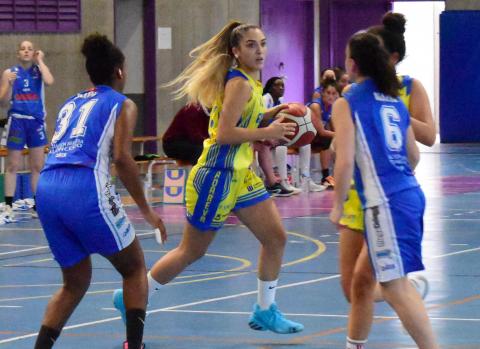 Miriam González, jugadora del CB Adavera Tenerife