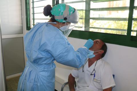 Pruebas PCR al personal sanitario en Lanzarote