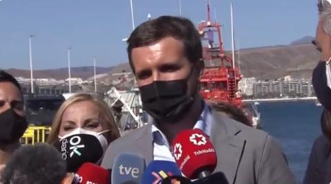 Pablo Casado en el muelle de Arguineguín. Gran Canaria/ CanariasNoticias.es