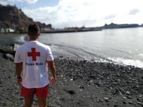 Socorrista en la playa de San Sebastián de La Gomera
