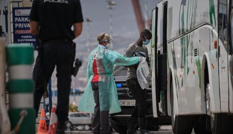 Arriban a El Hierro 159 migrantes
