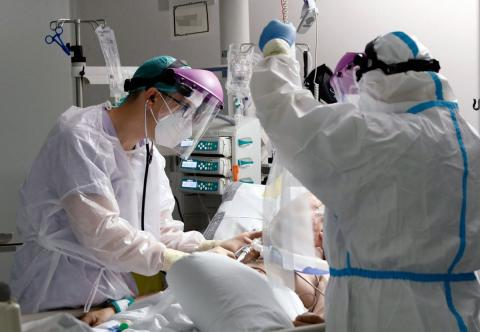 UCI con paciente Covid 19/ canariasnoticias.es