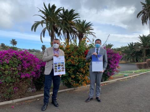 Héctor Suárez y Álvaro Monzón en la presentación del almanaque / CanariasNoticias.es
