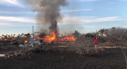 Incendio en el descampado detrás del parque acuático en Corralejo/CanariasNoticias.es