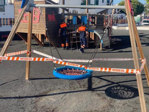 Clausura de Parques infantiles. Yaiza/ canariasnoticias.es