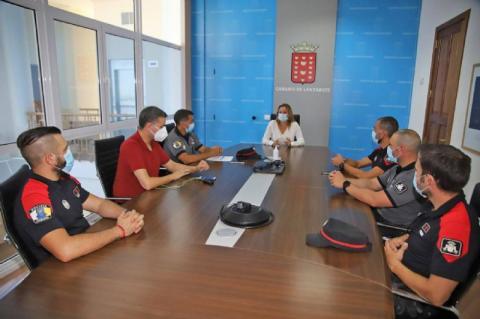 Reunión de la Presidenta del Cabildo de Lanzarote con Fuerzas y Cuerpos de Seguridad / CanariasNoticias.es