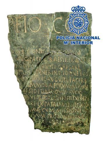 Documento jurídico único realizado en bronce con más de 2000 años de antigüedad recuperado por la Policía Nacional / CanariasNoticias.es