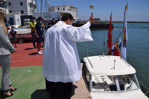 """El padre Nicanor Bermúdez ofició el bautizo del """"Volcán Chinijo"""" en Arrecife (Lanzarote) / CanariasNoticias.es"""