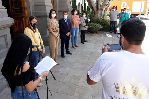 Lectura del manifiesto con motivo del Día Internacional del Pueblo Gitano en SC Tenerife / CanariasNoticias.es