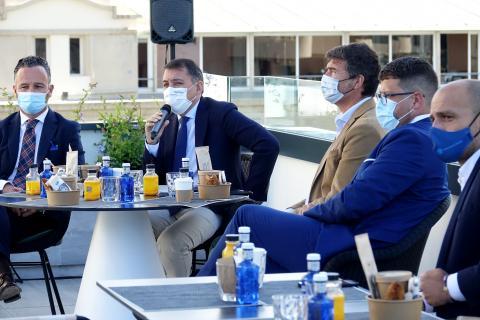 Reunión para impulsar el puerto y el sector hotelero de Santa Cruz de Tenerife / CanariasNoticias.es