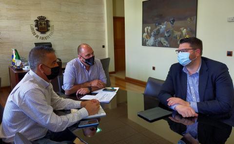 Reunión del Cabildo de Fuerteventura con Mercadona / CanariasNoticias.es