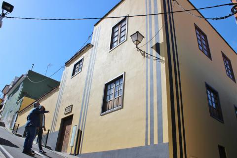 Rehabilitación de la fachada de la Casa Amarilla de San José / CanariasNoticias.es