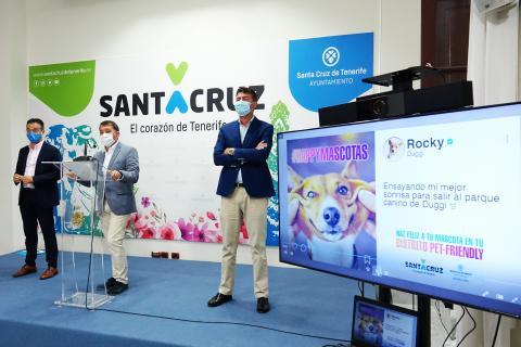 Presentación de las campañas la tenencia responsable de mascotas en Santa Cruz de Tenerife / CanariasNoticias.es