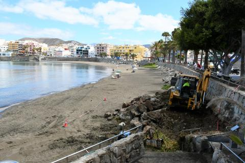 Obras de rehabilitación de la playa de Las Marañuelas en Mogán / CanariasNoticias.es