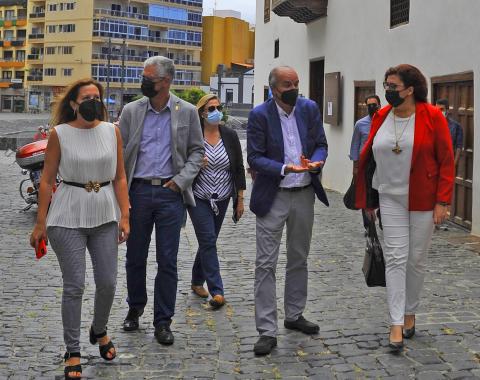 """Diputados de CC-PNC de Tenerife denuncian la """"parálisis turística"""" de Puerto de la Cruz / CanariasNoticias.es"""