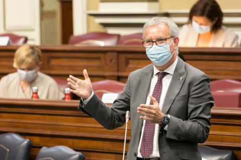 Sebastián Franquis en el Parlamento de Canarias / CanariasNoticias.es