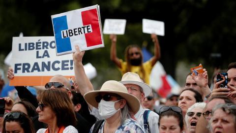 Manifestación contra las restricciones en Francia para luchar contra el covid-19