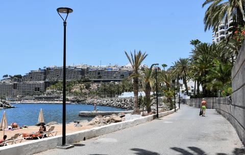Paseo peatonal de la playa de Aquamarina en Mogán / CanariasNoticias.es