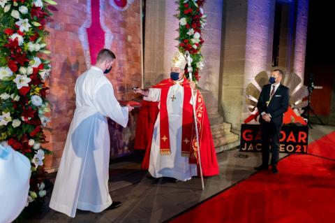Obispo José Mazuelos pregonero de las Fiestas Mayores de Santiago de Gáldar / CanariasNoticias.es