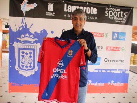 Presentación de Mateo García, nuevo entrenador de la UD Lanzarote / CanariasNoticias.es