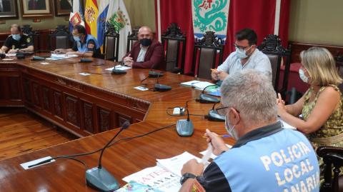 Mesa de Seguridad para afrontar las Grandes Fiestas de Julio en Puerto de la Cruz / CanariasNoticias.es