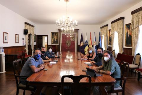Reunión de Sí Podemos Canarias en el Cabildo y Unidas se puede en La Laguna / CanariasNoticias.es