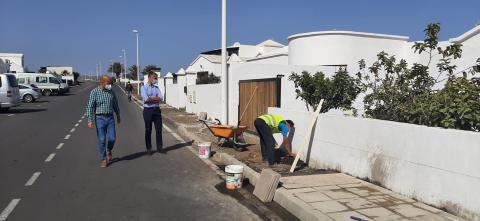 San Bartolomé trabaja en la accesibilidad de Playa Honda / CanariasNoticias.es