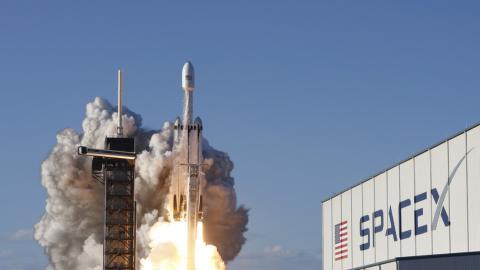 Un cohete Falcon Heavy de SpaceX