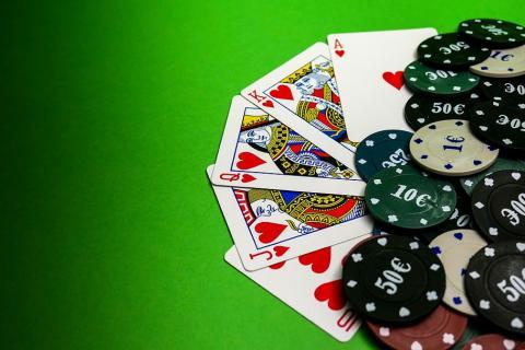 El Blackjack: uno de los juegos de cartas más jugados y su maravillosa historia en el cine