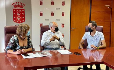 El deportista Cristofer Clemente en el Cabildo de La Gomera / CanariasNoticias.es