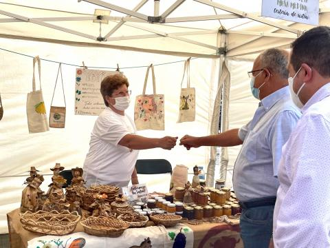 Casimiro Curbelo y Miguel Melo en una muestra de artesanía gomera / CanariasNoticias.es