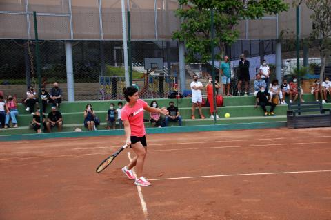 Carla Suárez inaugura las nuevas pistas de tenis del Club de Tenis Las Rehoyas