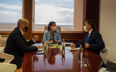 Santa Cruz de Tenerife y Gobierno de Canarias trabajan para impulsar el turismo / CanariasNoticias.es