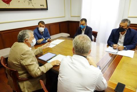 Reunión del Ayuntamiento de Santa Cruz con la Autoridad Portuaria / CanariasNoticias.es