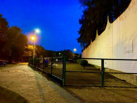 Luminarias 100% solar del parque canino de San Juan en Telde / CanariasNoticias.es